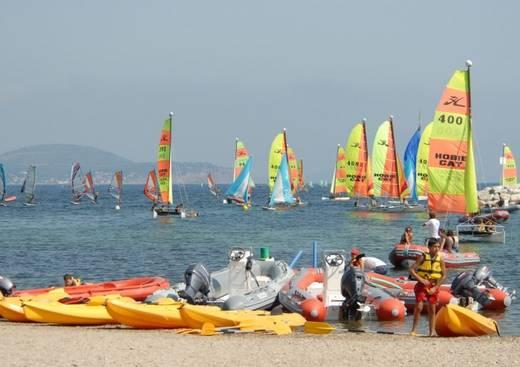 Yacht Club De Toulon Club De Voile A Toulon